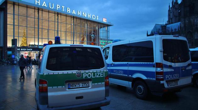 Krismote efter sexuella massovergrepp pa nyarsfirande i tyskland